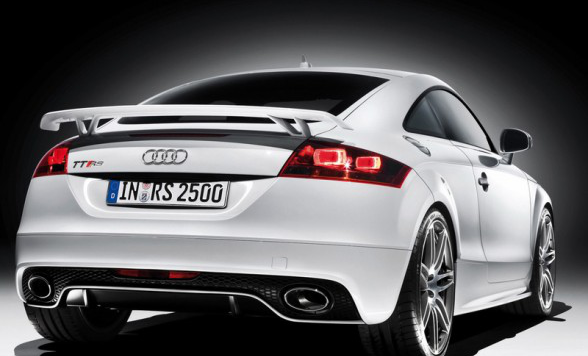 /assets/images/2009-audi-tt-rs-coupe-rear-angle-588x441.jpg