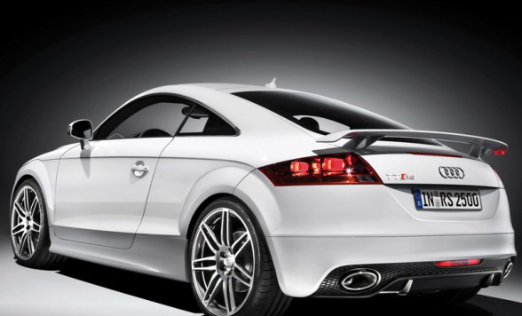/assets/images/2009-audi-tt-rs-coupe-rear-side-588x441.jpg