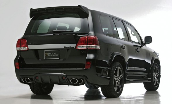 /assets/images/gallery/2009-WALD-200-Toyota-Land-Cruiser-SPORTS-LINE-Black-Bison-Edition-rear-side-588x391.jpg