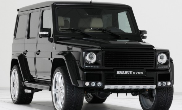 /assets/images/gallery/2010-Brabus-Mercedes-Benz-G-V12-S-Front-Angle-View-588x441.jpg