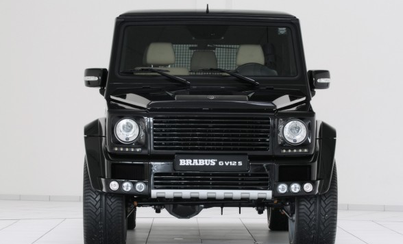 /assets/images/gallery/2010-Brabus-Mercedes-Benz-G-V12-S-Front-View-588x441.jpg