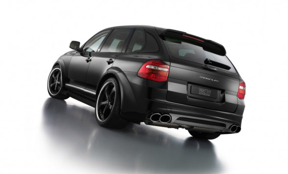 /assets/images/gallery/2010-TechArt-Magnum-Porsche-Cayenne-Turbo-Rear-Side-View-588x441.jpg
