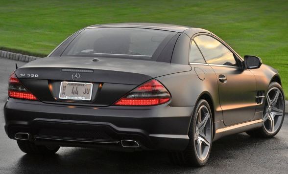 /assets/images/gallery/2011-Mercedes-Benz-SL550-Night-Edition-Rear-Side-View-588x441.jpg