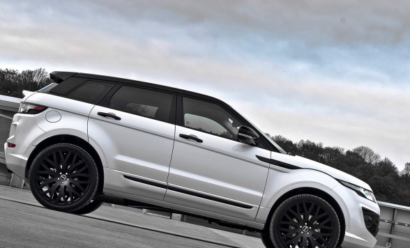 /assets/images/gallery/2013-A-Kahn-Design-Land-Rover-RS250-Evoque-Side-588x441.jpg