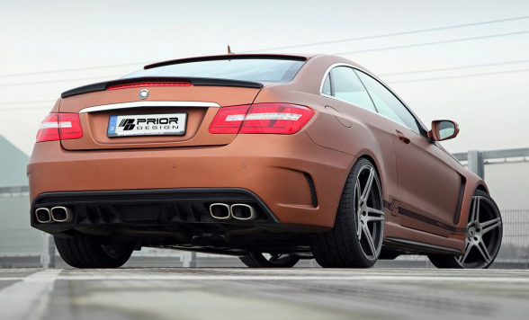 /assets/images/gallery/2013-Prior-Design-Mercedes-Benz-E-Class-Coupe-PD850-Black-Edition-Rear-Angle-588x441.jpg